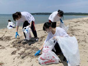 石川・志賀町の増穂浦海岸清掃